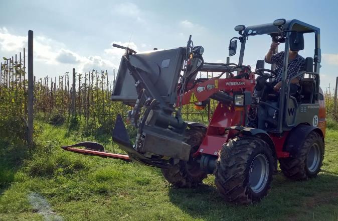 Traktor mit sunbot